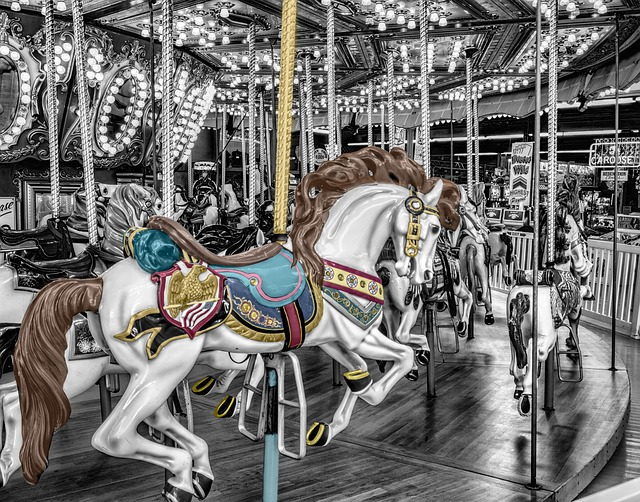 carousel-168125_640