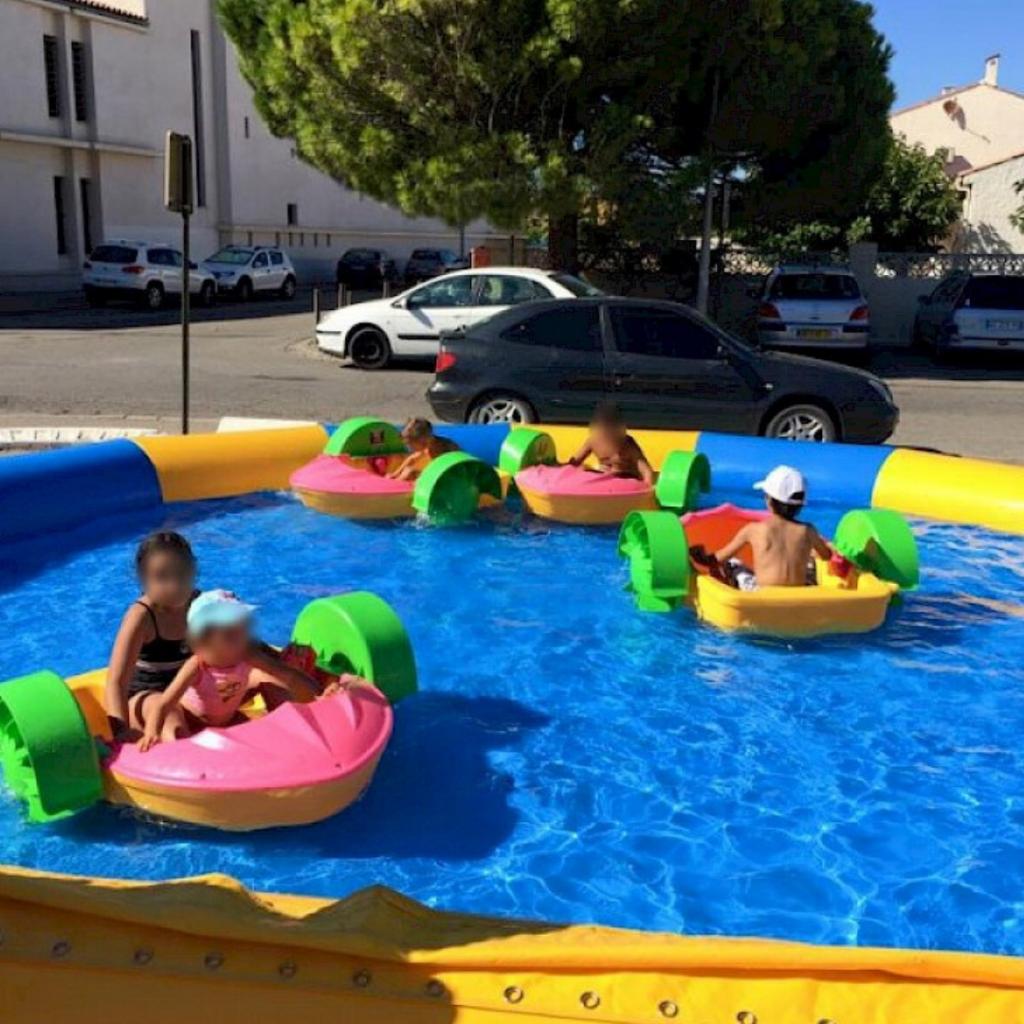 Location bassin gonflable avec bateaux